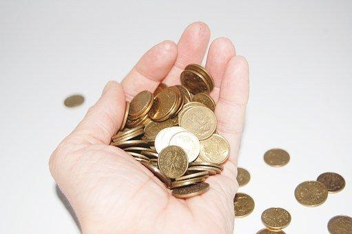 Czy warto podnosić podatki dla najbogatszych