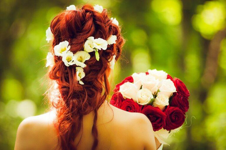 Idealna ozdoba na włosy – wianek ślubny dla panny młodej